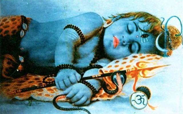 Baby Shiva schlafend